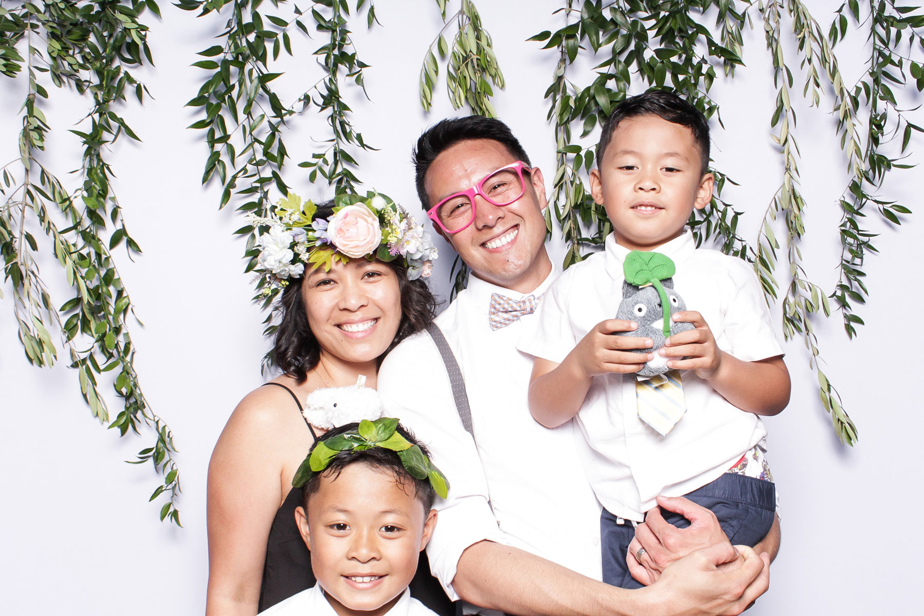 Make Your Wedding Photo Booth Unique! | The SnapBar